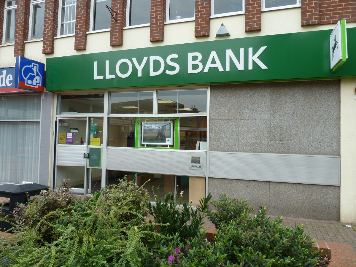 Lloyds bank - Bedworth